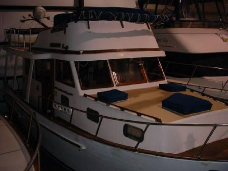 1981 Marine Trader 36 Europa