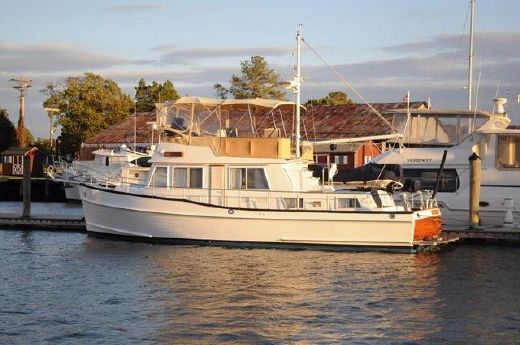 2001 Grand Banks 42 Classic