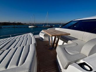 thumbnail photo 2: 2019 Sunseeker 86 Yacht
