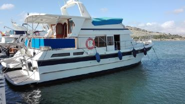 1999 Trawler Yacht