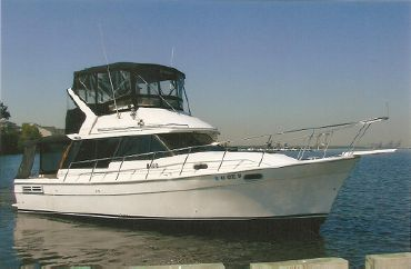 1995 Bayliner 3288 MY in OUTSTANDING COND.