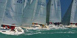 1992 J Boats 105
