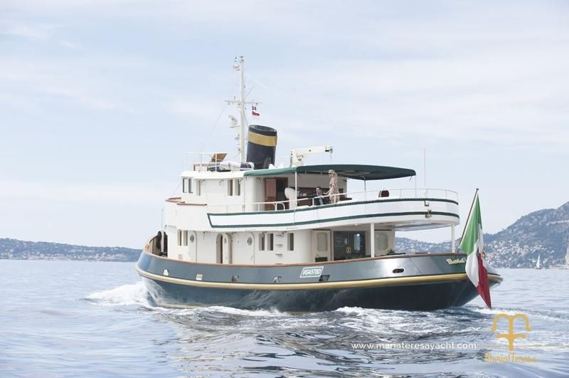 1962 rimorchiatore solimano italia classic motor yacht for Vintage motor yachts for sale