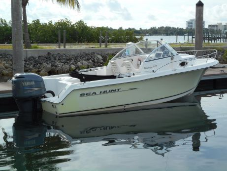 2006 Sea Hunt Victory 225
