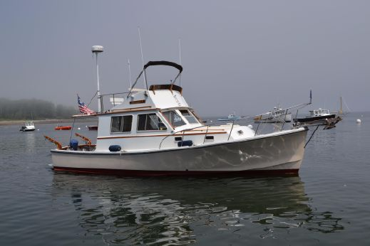 1984 Nauset Downeast Flybridge Cruiser - Cockpit Motor Yacht