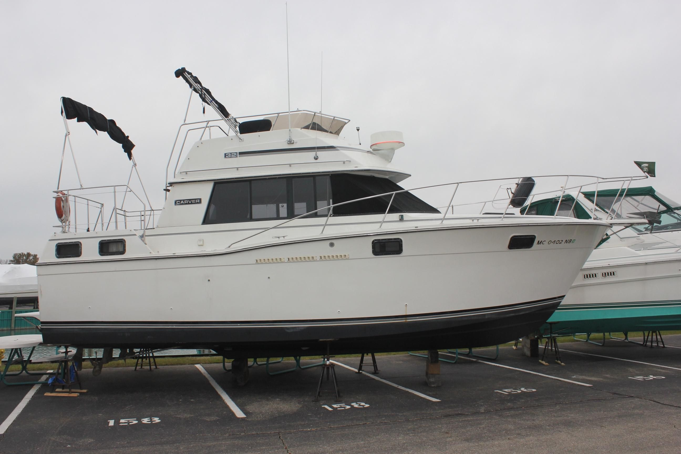 1986 carver 3207 aft cabin power boat for sale www for By the cabin catamaran charters