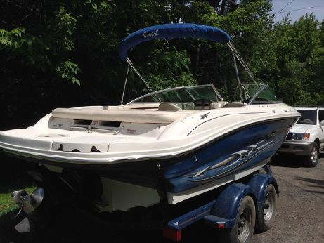 2004 Sea Ray 200 Select