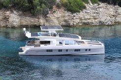 2016 Silent Yachts Solar Wave 64