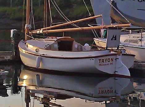 2003 Menger Catboat with trailer