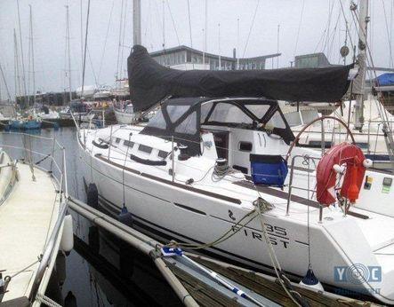 2009 Beneteau First 35