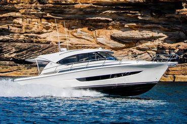 2020 Riviera 395 SUV