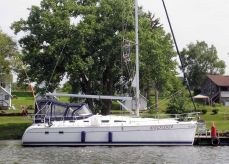 2004 Hunter 41 Aft Cabin Sloop