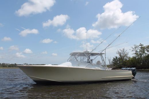 2010 Carolina Custom Express Sportfish
