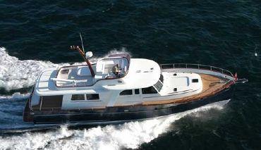 2006 Trawler Custom 65