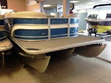 2018 Sylvan Mirage Cruise 8524 Entertainer
