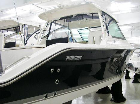 2016 Pursuit 325 DC