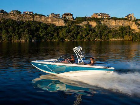 2016 Tige Boat R21