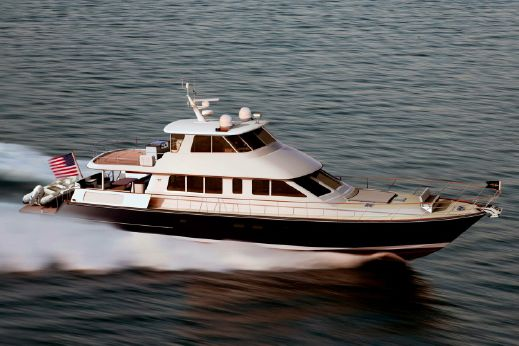 2015 Hunt Yachts 80