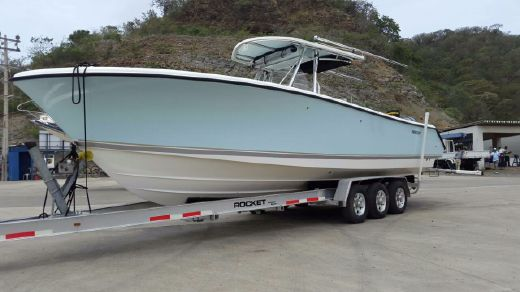2007 Pursuit C 310 Center Console