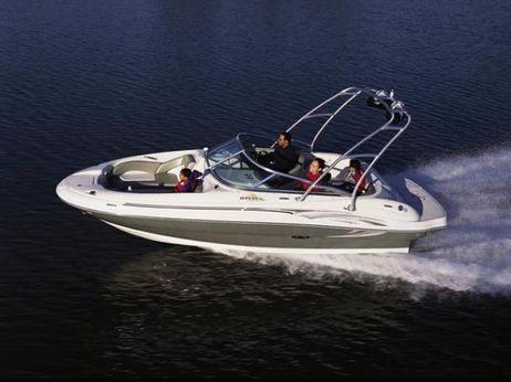2006 Sea Ray 200 Sundeck