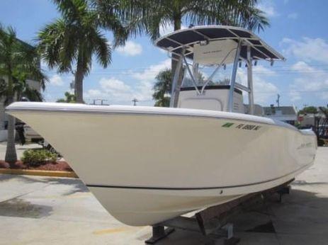 2007 Sea Hunt Triton 240