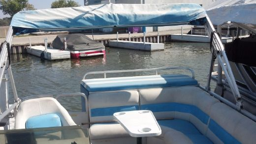 1993 Suncruiser 20ft pontoon