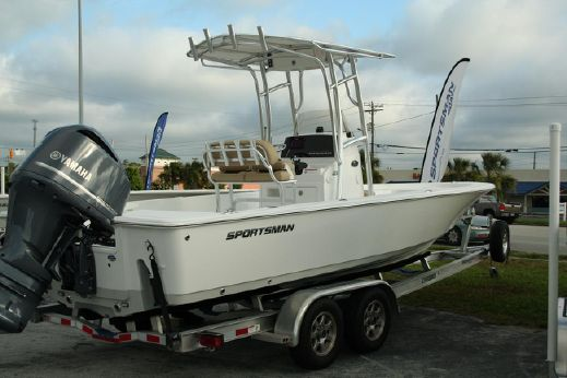 2016 Sportsman Masters 247 Bay Boat