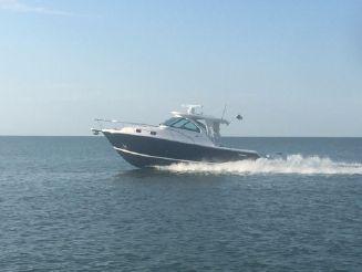 2016 Pursuit 345 Offshore