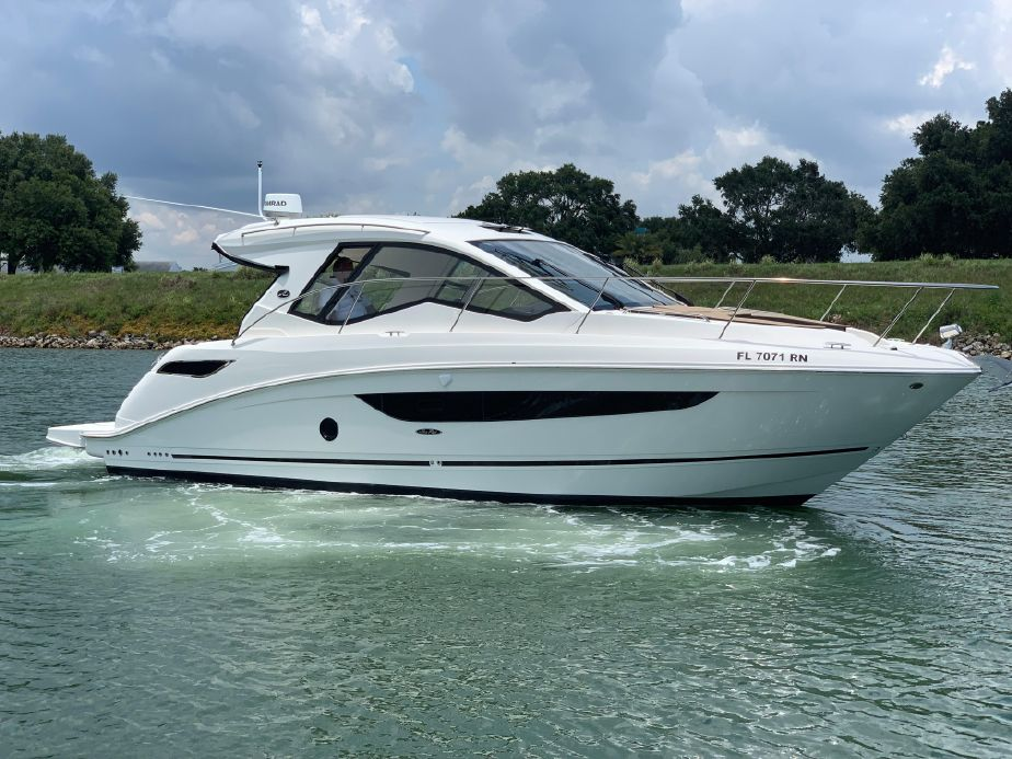 2018 Sea Ray Sundancer 350 Coupe Power Boat For Sale - www