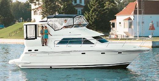 2001 Cruisers Yachts 3750 Motoryacht