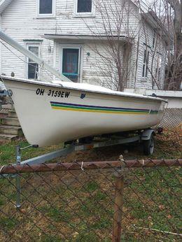 2011 American Sail 18