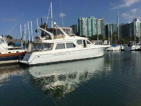 2000 Navigator Classic flybridge motor yacht