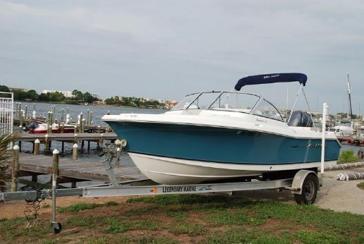 2010 Sea Hunt 207 Escape