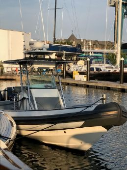 2006 Protector 28 Center Console