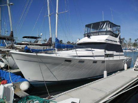 1988 Bayliner 3818 w/Oceanside Slip