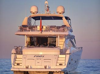 thumbnail photo 2: 2005 Sunseeker 94 Yacht