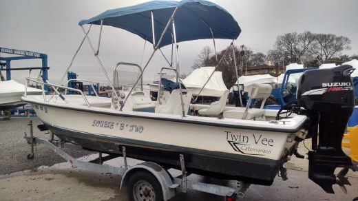 2005 Twin Vee 19 Family Fisherman