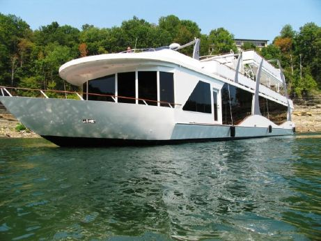 2008 Thoroughbred 22 x 115 Houseboat