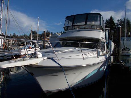 1992 Carver Yachts Aft Cabin 3608