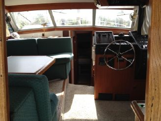Bayliner 3870 boats for sale yachtworld for English motors inc brownsville tx