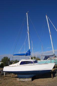 1980 Hirondelle Catamaran 23