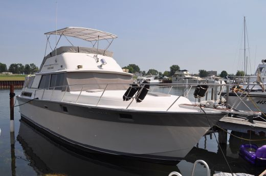 1985 Silverton 40 Aft Cabin Motor Yacht