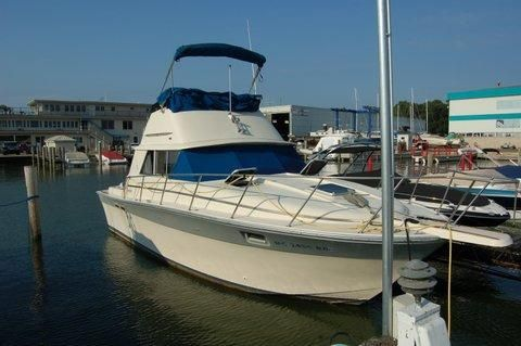 1986 Silverton 31 Convertible Flybridge
