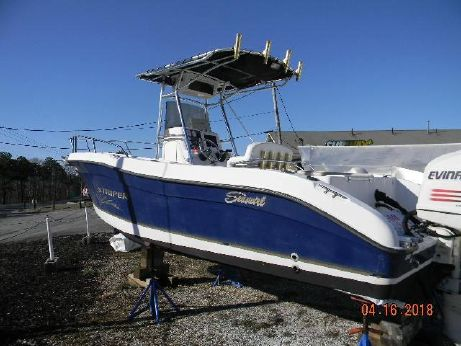 2004 Striper 2301 Center Console Outboard