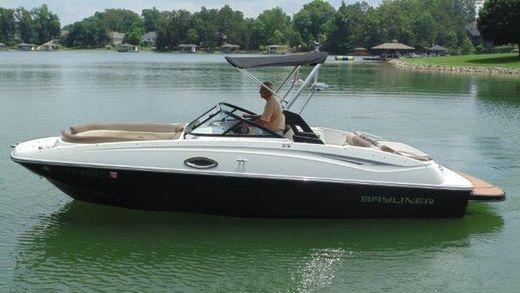 2016 Bayliner 215 Deck Boat