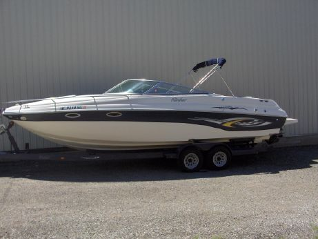2003 Rinker 282 Captiva Cuddy