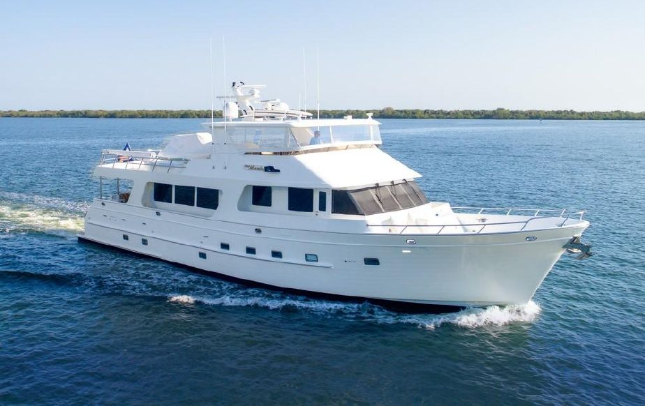 2007 outer reef yachts raised pilothouse