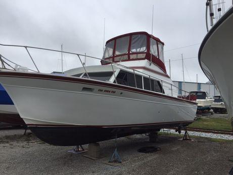 1985 Marinette 32 Fisherman