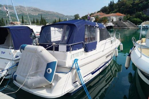 2001 Marex 280 Holiday