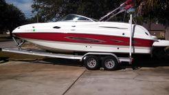 2006 Chaparral Sunesta 254 Deckboat